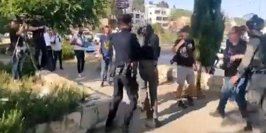 İsrail polisinden haber yapan gazetecilere saldırı