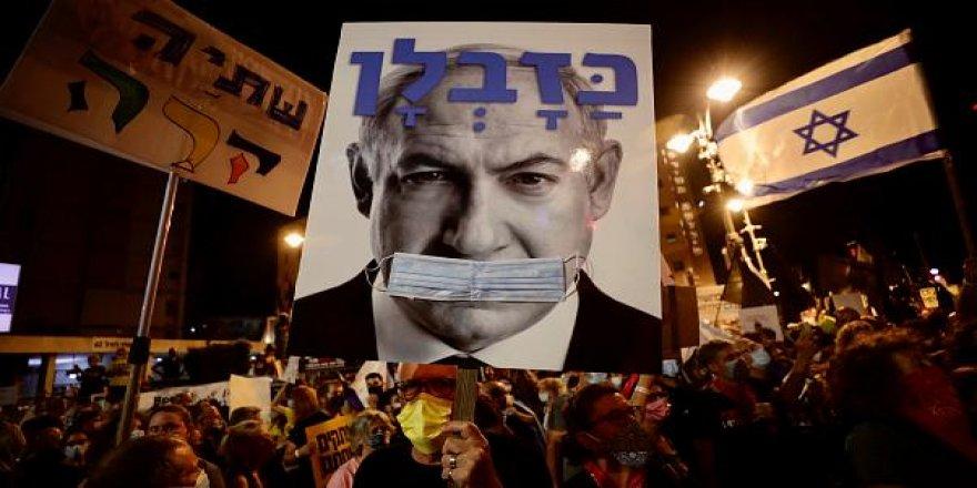 İsrail'de 3 aydır süren Netanyahu karşıtı protestolar 10 bin kişinin katılımıyla devam etti