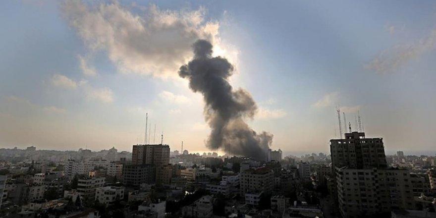 İsrail'den Gazze'ye top atışı yapıldı!