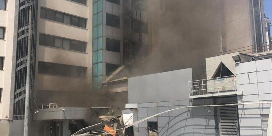 İstanbul Şişli'debir iş merkezinde patlama meydana geldi