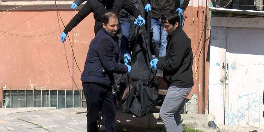 İstanbul'da 2 kişi sahte içkiden öldü