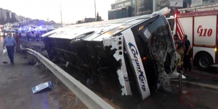 İstanbul'da devrilen yolcu otobüsünde 11 kişi yaralandı