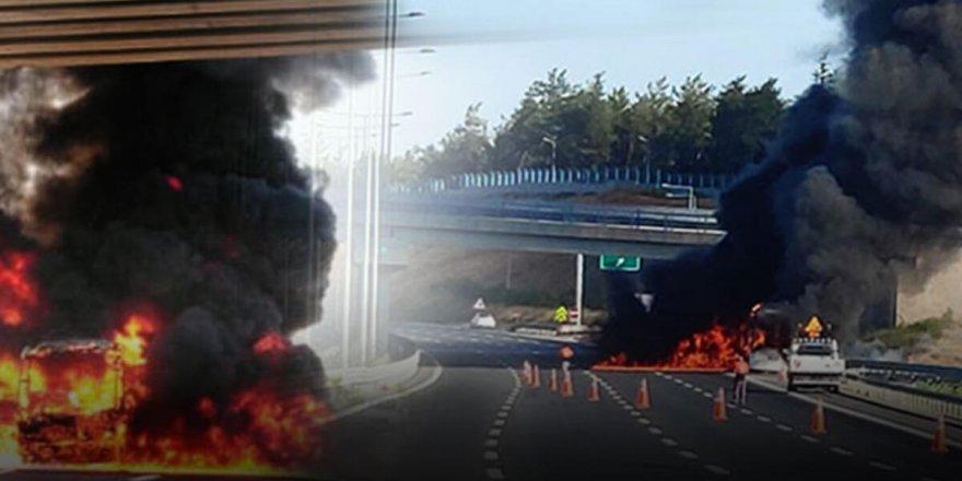 İstanbul'da seyir halindeki yolcu otobüsünde yangın çıktı