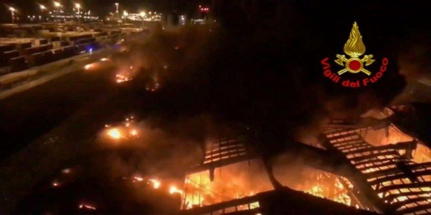 İtalya'da patlama: Hangar gece boyu yandı