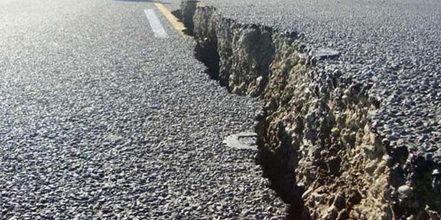 İzmir depremi sonrası sıcak su ve gaz çıkışı tespit edildi
