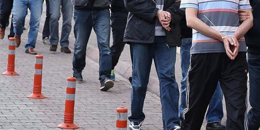 İzmir merkezli 41 il ve KKTC'de FETÖ'ye operasyon:157 kişiye gözaltı
