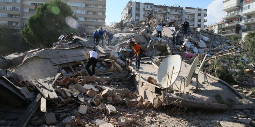 İzmir'de Kızılay kan merkezi yıkıldı!