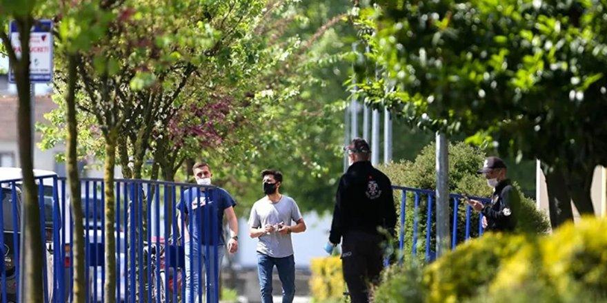 İzmir'de maskesiz sokağa çıkmak yasaklandı