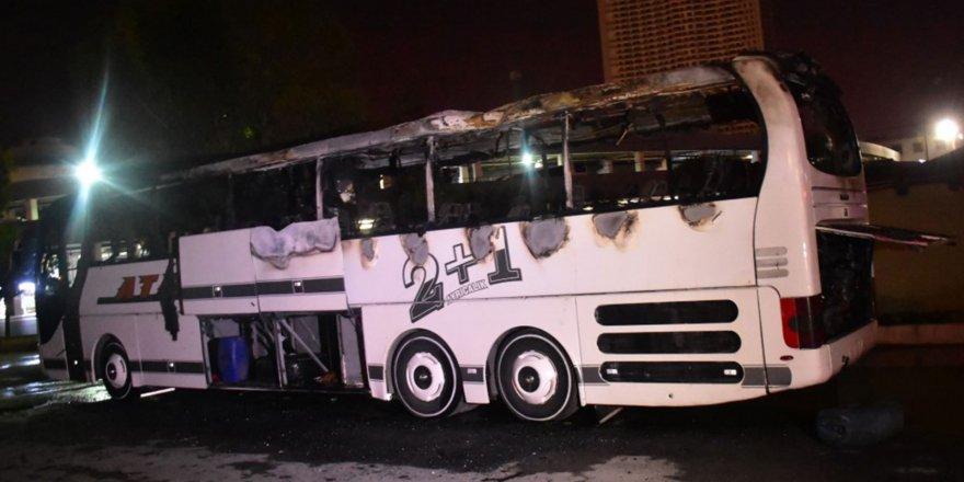 İzmir'de otobüs yangını