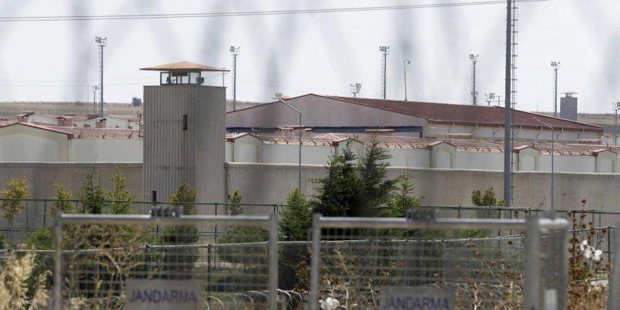 İzmir'deki cezaevinde 65 hükümlü ve tutuklunun testi pozitif çıktı