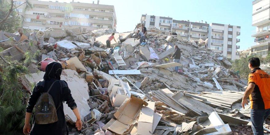 İzmir'deki deprem beklenen İstanbul depreminin ayak sesleri mi?