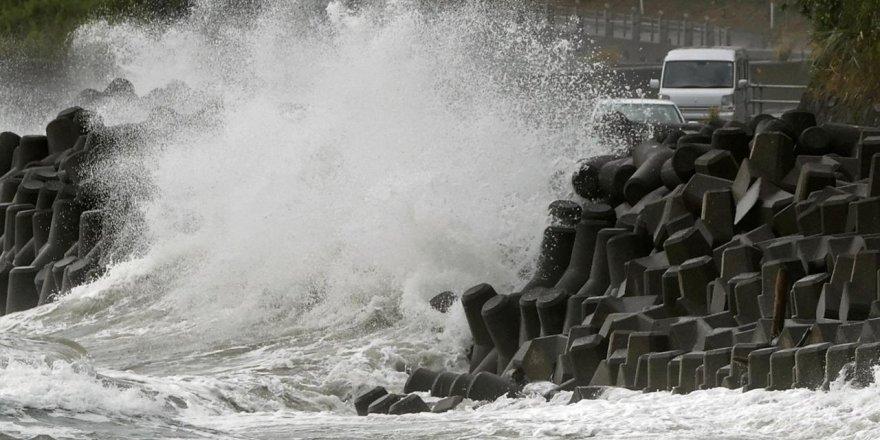 Japonya'da felaket: 8 milyondan fazla kişinin tahliyesi istendi