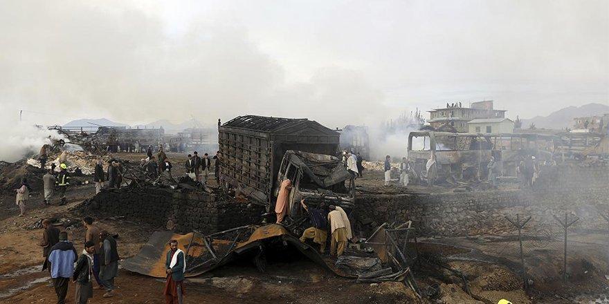 Kabil'de petrol istasyonunda yangın:10 kişi hayatını kaybetti