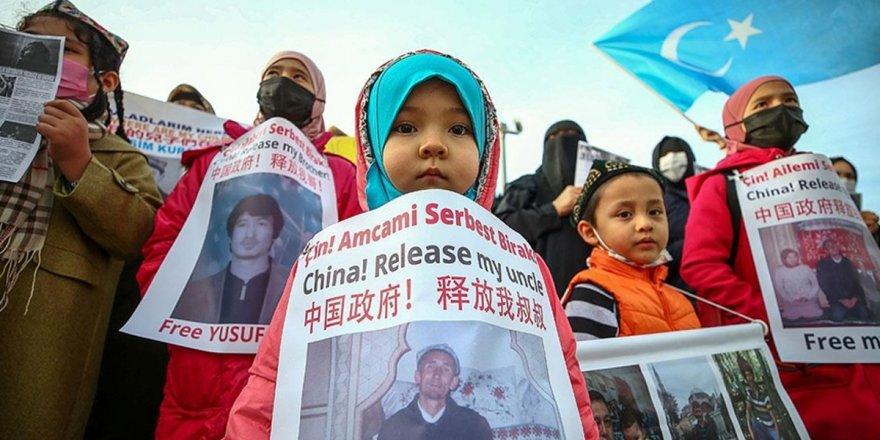 Kanada'da,Çin'in Uygur Türklerine yaptıklarını 'soykırım' olarak adlandırdı