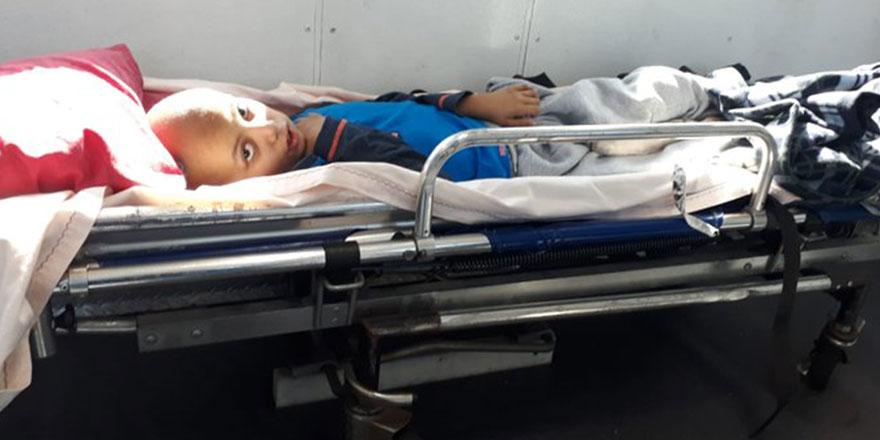 Kanser hastası Ahmet ve annesi Türkiye'ye döndü: Tedaviye cevap vermiyor