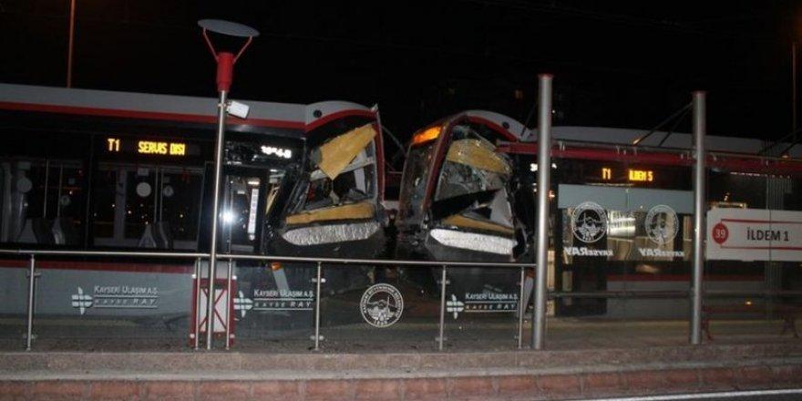 Kayseri'de tramvay çarpmışması: 2 yaralı