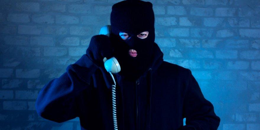 Kendilerini telefonda 'polis ve savcı' olarak tanıtarak, 8 milyon TL dolandırdılar
