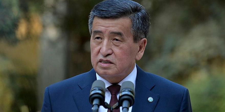 Kırgızistan Cumhurbaşkanı Ceenbekov istifa etti!