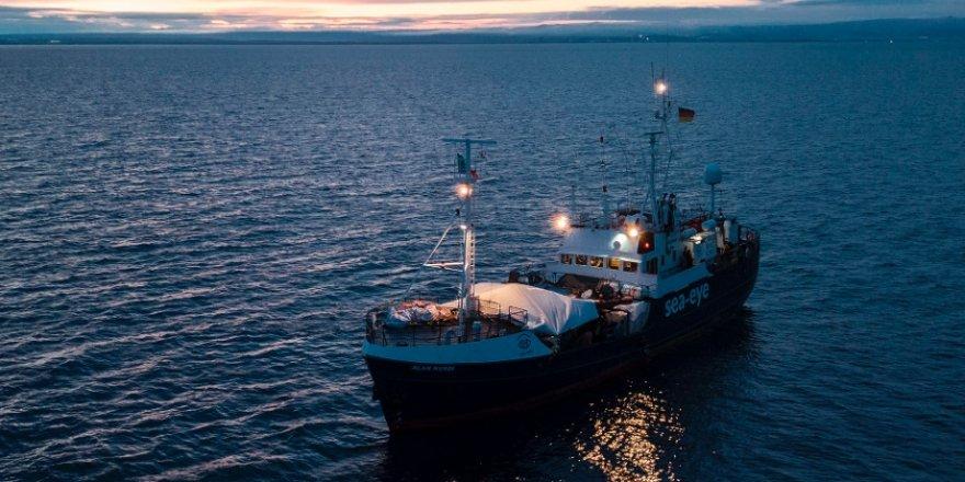 """Kurtarma gemisi """"Alan Kurdi"""" deki mültecilerin karantinaya alınacağı söyleniyor"""