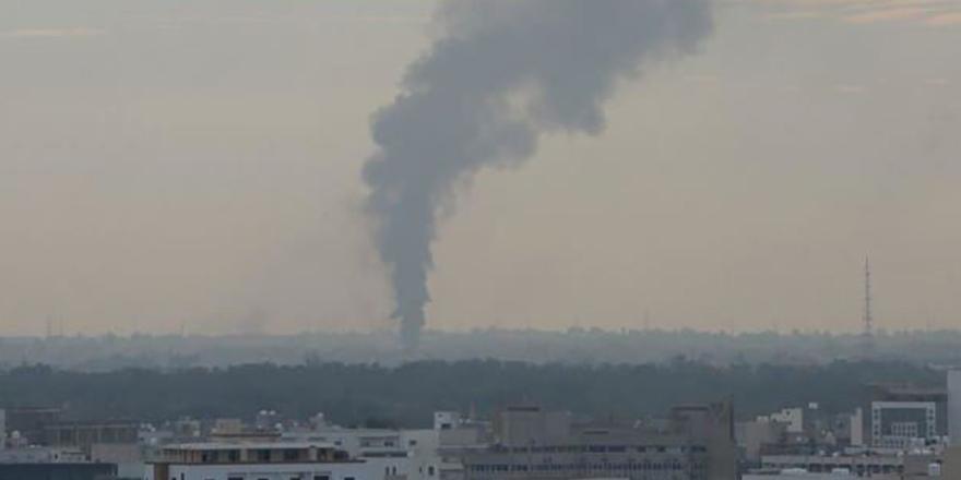 Libya, bayram sabahına bombalarla uyandı