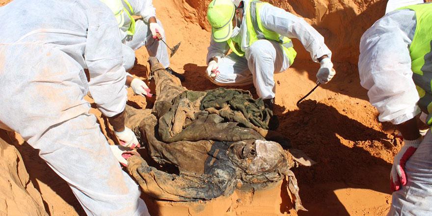 Libya çöllerinde 5 yeni toplu mezar bulundu