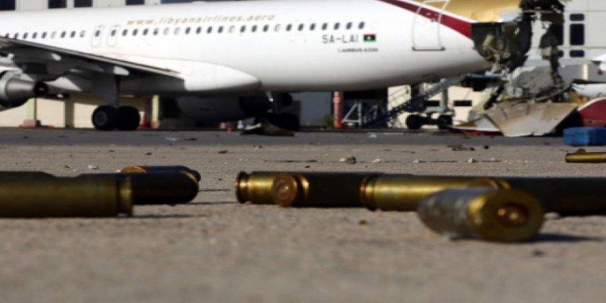 Libya Ordusu Trablus Havalimanı'na Girdi