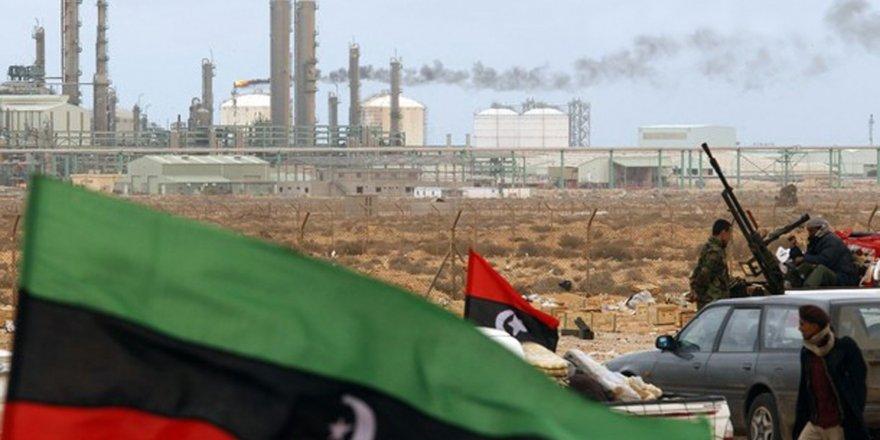 Libya'da ateşkes sonrası akbabalar üşüştü
