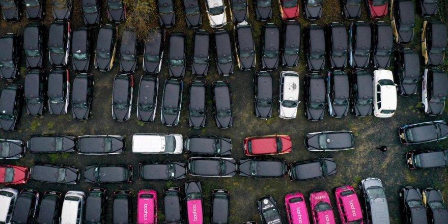 Londra'da yüzlerce siyah taksi trafikten çekildi
