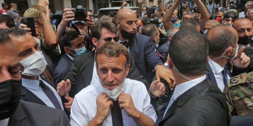 Macron Lübnanlı siyasileri ihanetle suçladı