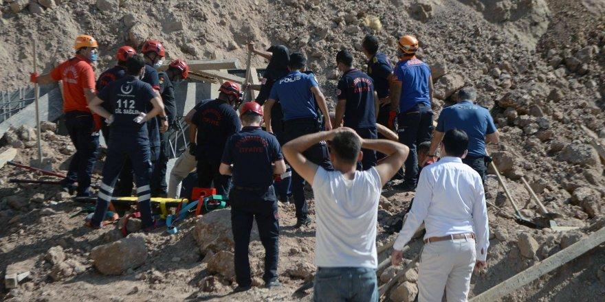 Maraş'ta feci olay!inşaat alanında toprak kayması: İki kişi hayatını kaybetti