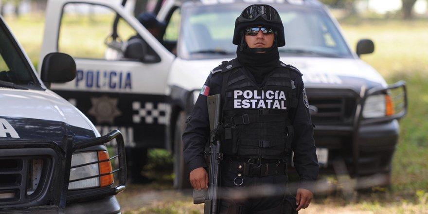 Meksika'da çete, belediye başkanını öldürdü