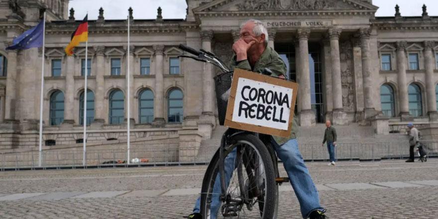 """Merkel: """"Berlin dahil salgında bazı bölgelerde kontrolü kaybettik"""""""
