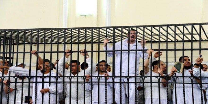 Mısır'da 13 idam daha