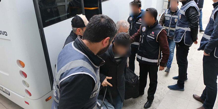Muvazzaf subaylara FETÖ operasyonu: 25 gözaltı