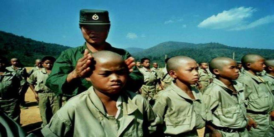 Myanmar ordusu çocukları 'canlı kalkan' yaptı