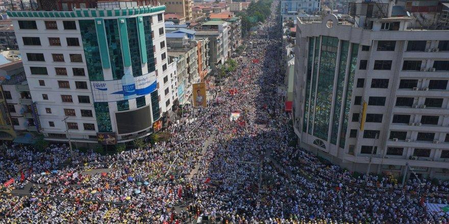 Myanmar'da 3,4 milyon insan açlıkla karşı karşıya