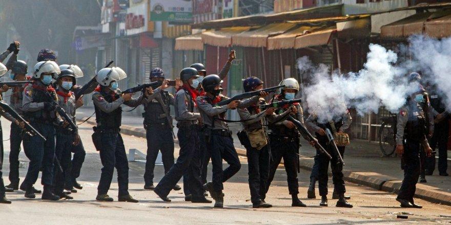 Myanmar'da darbe karşıtı gösterilerde 10'unüzerinde kişi öldü