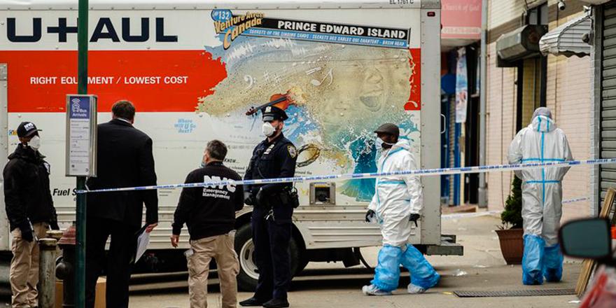 New York'ta 2 kamyonetten 100 ceset çıktı