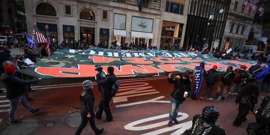 New York'un Times Meydanı'nda olaylı 'Trump' gösterisi