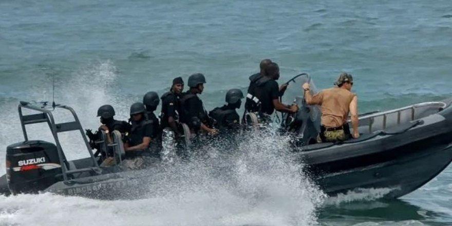 Nijerya'da alabora olan tekneden 6 polisin cesedi çıktı