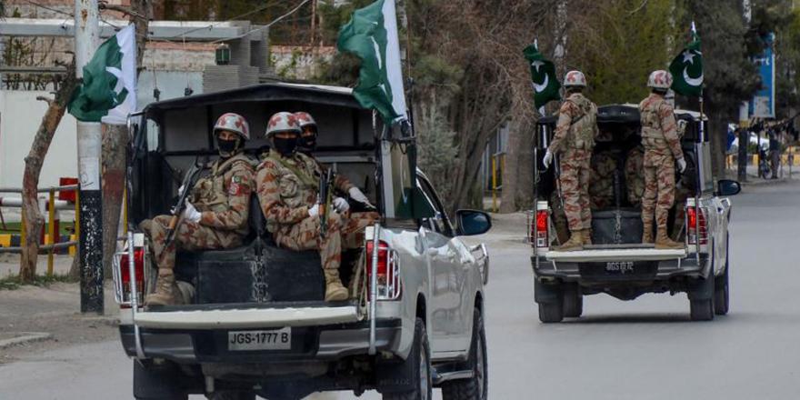 Pakistan'da 2 ayrı saldırıda 7 kişi hayatını kaybetti