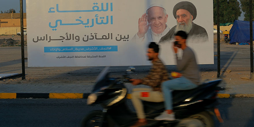 Papa'nın çok konuşulan Irak ziyareti yoğun güvenlik önlemleri altında başladı