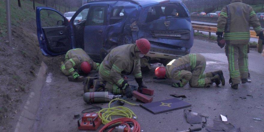 Pendik'te trafik kazası: 1 ölü, 1 yaralı