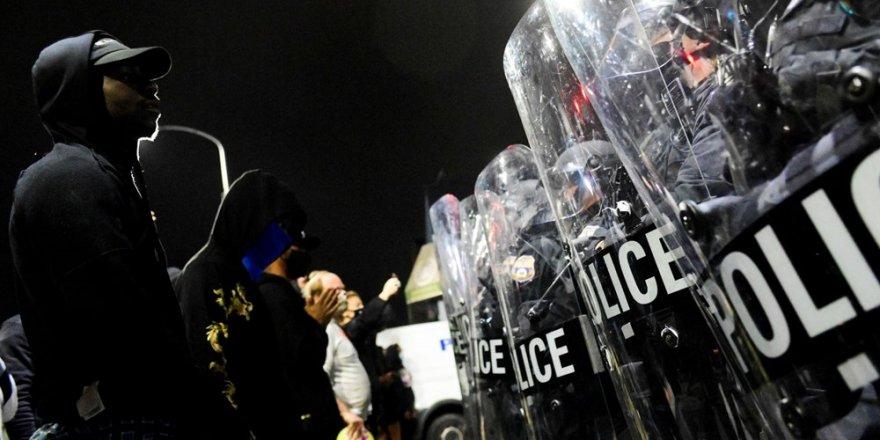 Philadelphia'da protestolar nedeniyle sokağa çıkma yasağı ilan edildi