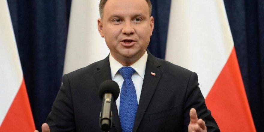 Polonya'da Andrzej Duda yeniden seçildi