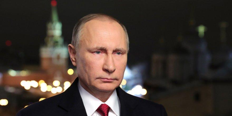 Putin'e ömür boyu dokunulmazlık yasası Duma'dan geçti