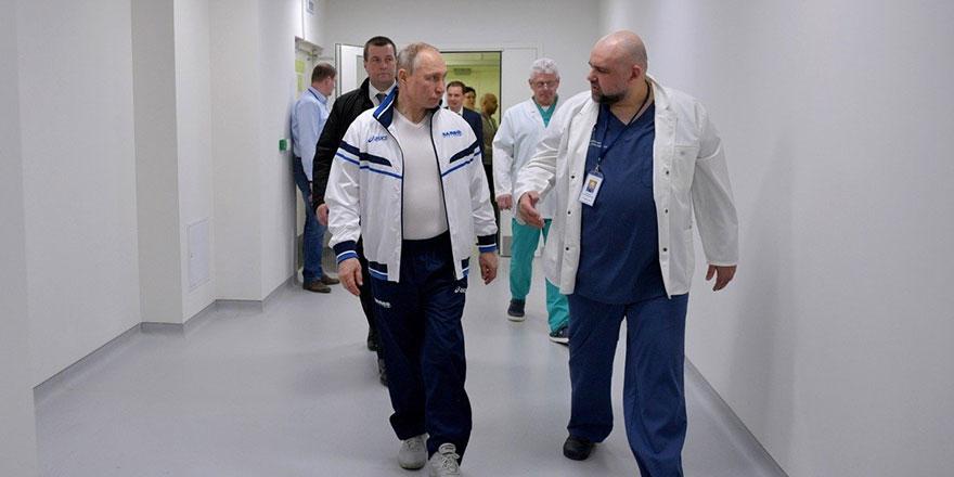 Putin'in ziyaret ettiği hastanenin başhekiminde koronavirüs çıktı!