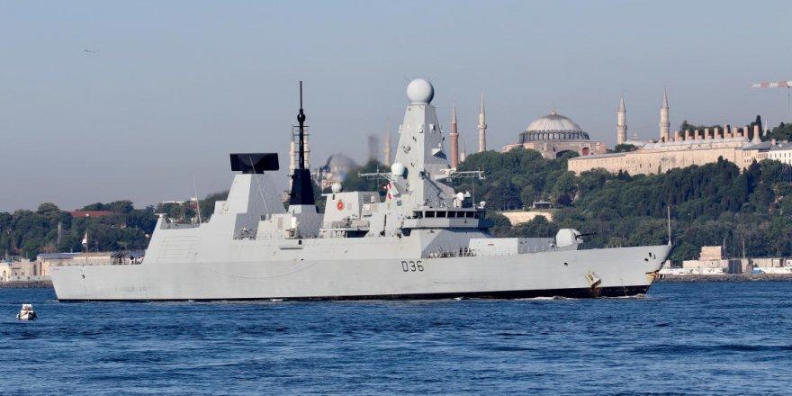Rusya, Karadeniz'de karasuları ihlal eden İngiliz gemisine uyarı ateşi açtı