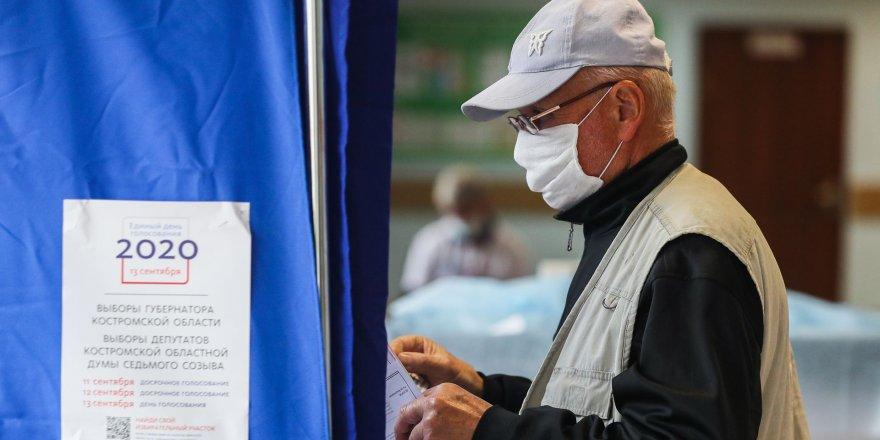 Rusya'da hem iktidar hem muhalefet seçim zaferi ilan etti