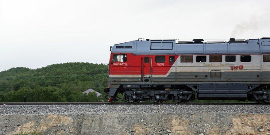 Rusya'da petrol yüklü tren raydan çıktı